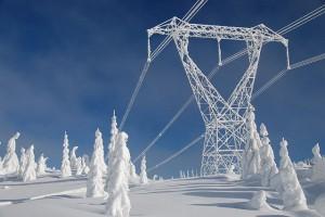 ligne électrique et neige