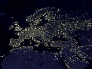 Europe, lumière électrique la nuit