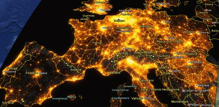 Carte de l'Europe de l'Ouest en fonction de la lumière produite par les villes