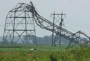 pylône électrique cassé